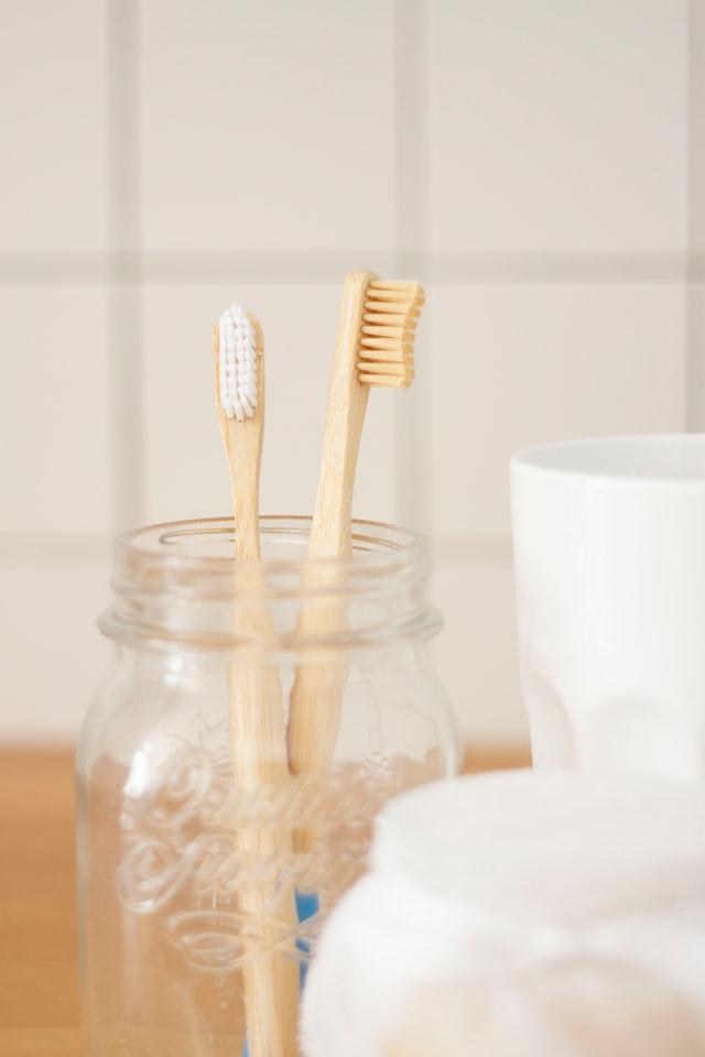 płukanie ust olejem - mycie zębów