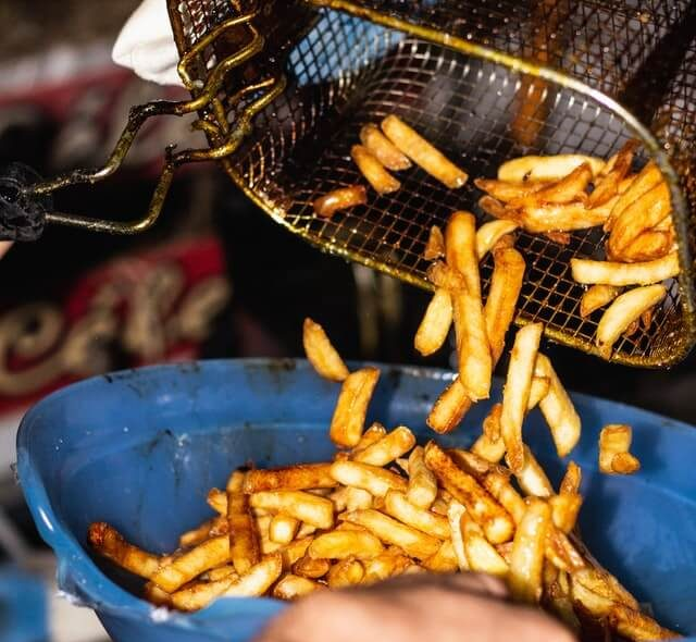 niezdrowe jedzenie - produkty smażone na głębokim tłuszczu