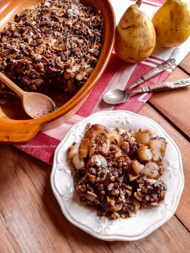 pieczone gruszki w czekoladzie pod kruszonką