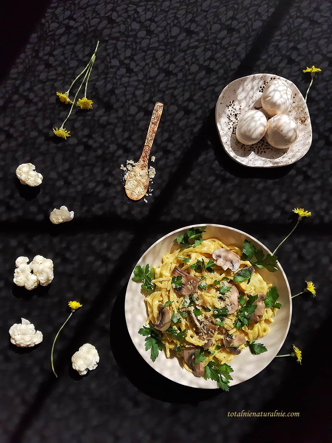 wegański sos z kalafiora do makaronu